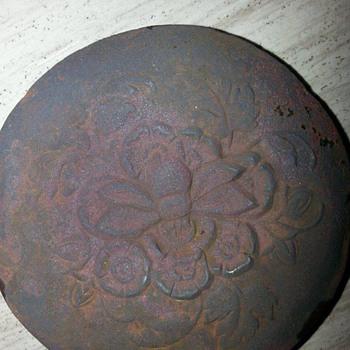 Button, Netherands  - Victorian Era