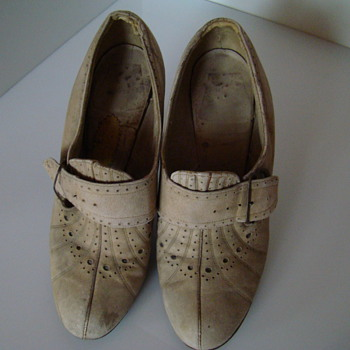European fashion before WWII in shoes