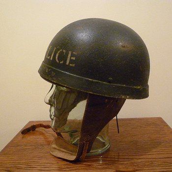 British WWII Dispatch Riders steel helmet. - Military and Wartime