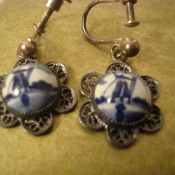 Delft porcelain earrings  - Costume Jewelry