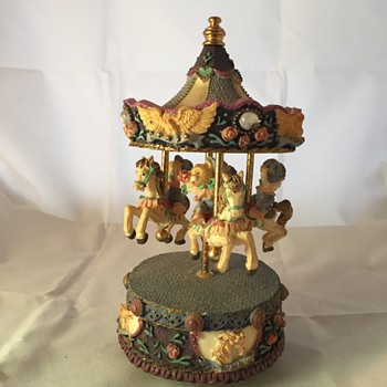 carousel house with bears music box - Music