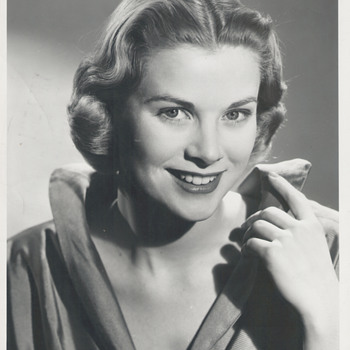 Grace Kelly Mystery Photo
