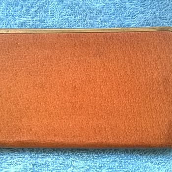 1967-vintage leather cigarette case. - Tobacciana