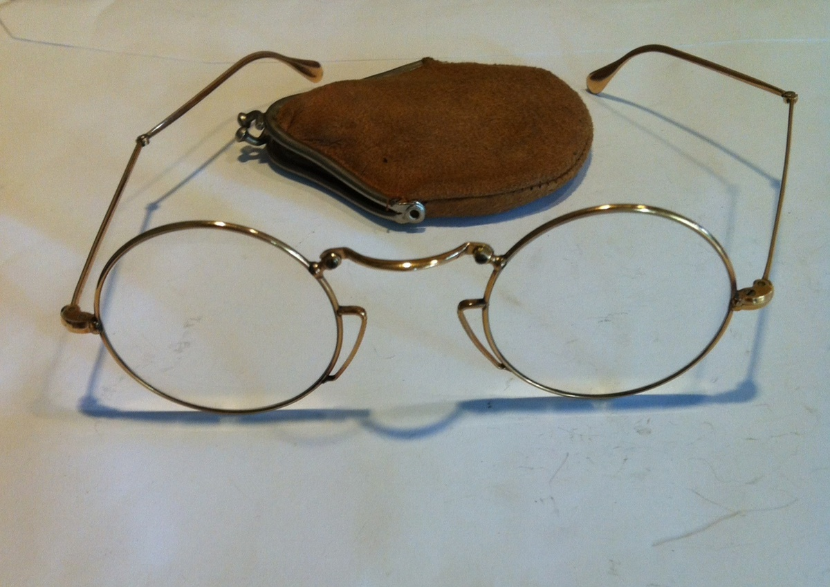 Rolled gold all folding eye glasses, with sheath ...