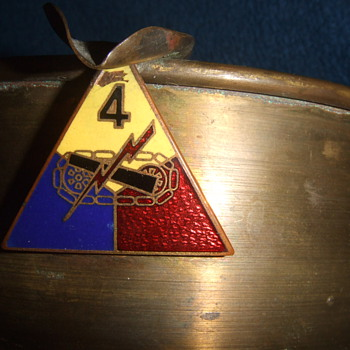 WW2 Trench Art ashtray, 4th AR Division - Military and Wartime