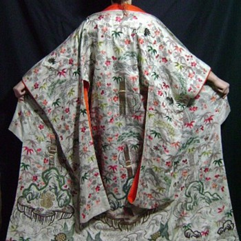 Late 19th Century Japanese wedding kimono (Antique textile) - Womens Clothing