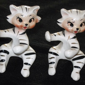 Retro cat figurines