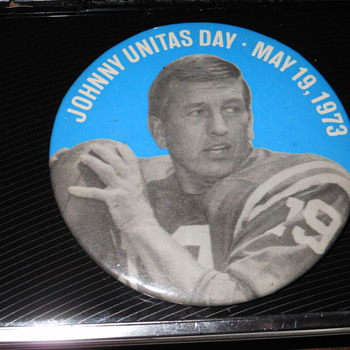 Johnny Unitas Pin - Football