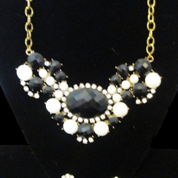 Vintage bling - Costume Jewelry