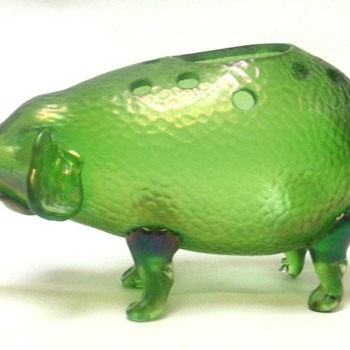 LOETZ RARE PIG FLOWER HOLDER.  NO PN. - Art Glass