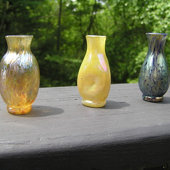 3 miniature Loetz vases - Art Glass