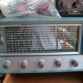My vintage Analog Lafayette receiver.