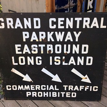 1940s Grand Central Parkway sign
