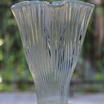 Gullaskruf Reffla Vase 1952 - Art Glass