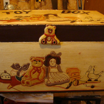 toy box - Folk Art