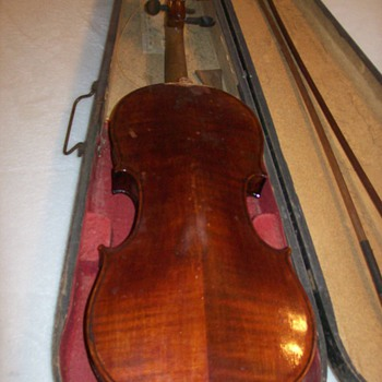 Antique Violin - Music