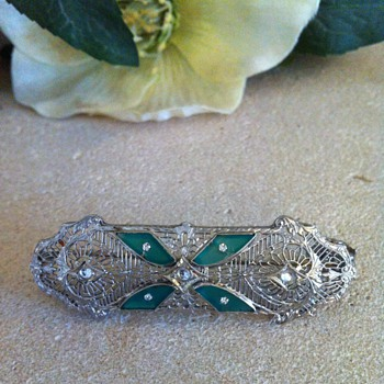 Filigree brooch/pendant combo.