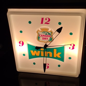 VINTAGE CANADA DRY  WINK ADVERTISING LIGHT UP SIGN & CLOCK!