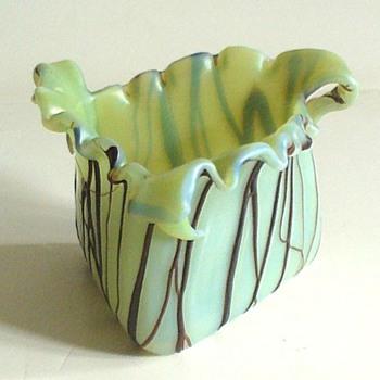 PALLME KONIG VASE IN VASELINE GLASS - Art Nouveau