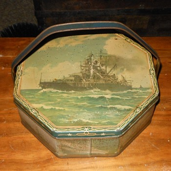 Loose-Wiles Biscuit Company Battleship Biscuit Tin 1937