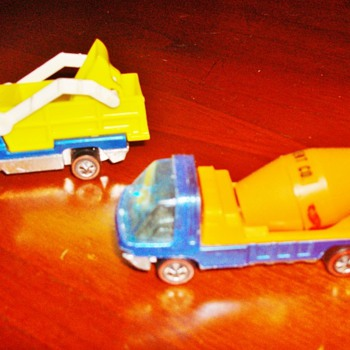 Hot Wheels Heavyweights - Model Cars