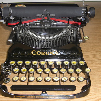 The Corona 3 Typewriter - Office