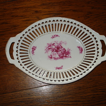 Unmarked pierced or lattice basket german - Pottery