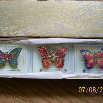 Vintage enameled Butterfly Brooches in Original Box  - Costume Jewelry
