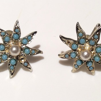 Antique earrings  - Costume Jewelry