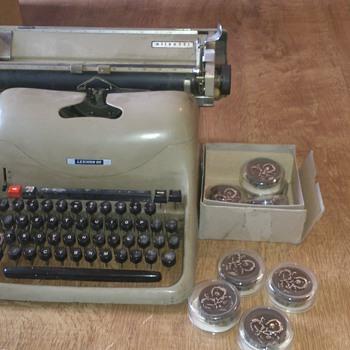 olivetti lexington 80 typewritter