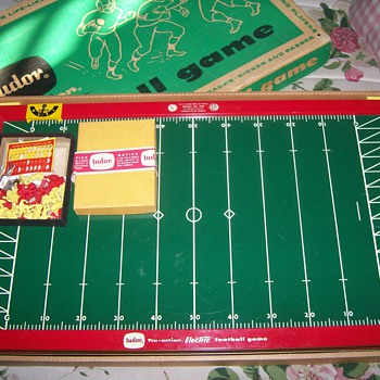Tudor Electric Football Game - Games