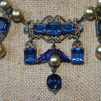 Gorgeous Victorian Necklace - Costume Jewelry