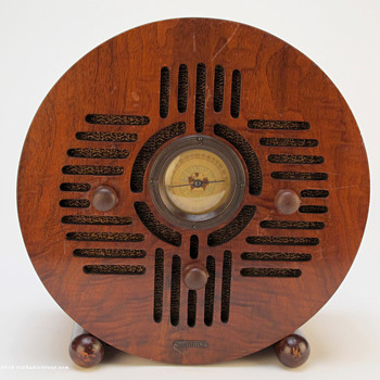 Detrola &quot;Wooden Blue Bird&quot; Art Deco Tube Radio - Radios