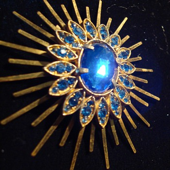 Cobalt Blue Starburst Rhinestone Brooch ca 1950 - Costume Jewelry