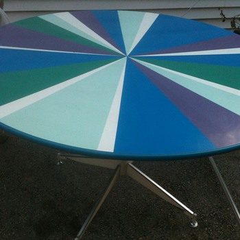 HERMAN MILLER Round Table Multi-Color w/Vinyl Swivel Chairs Mid-Century - Furniture