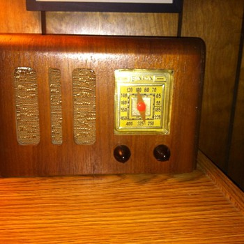1940's Fada Radio