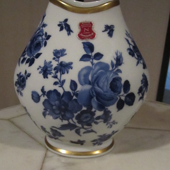 BavariaWaldershof Germany Vase. Cobalt Blue Floral & 22K Gilt Gold