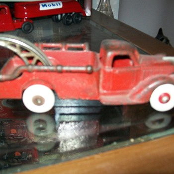 Hubley wrecker - Model Cars