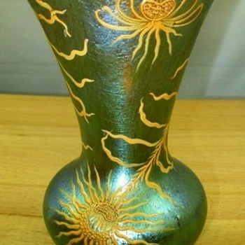 Loetz Delphi Decorated Vase c.1899. - Art Glass