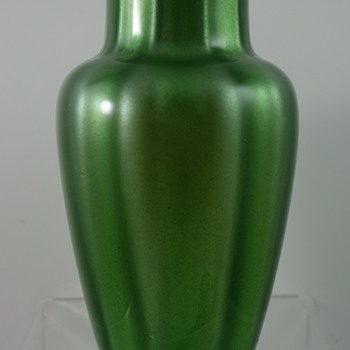 Loetz Metallin grün optisch, PN II-3832, ca. 1906 - Art Glass