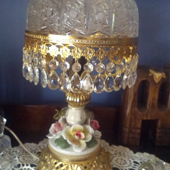 Lead crystal lamp.