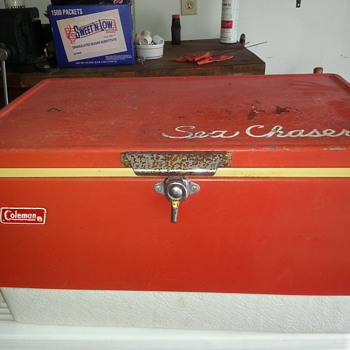 Vintage Red Coleman cooler - Advertising