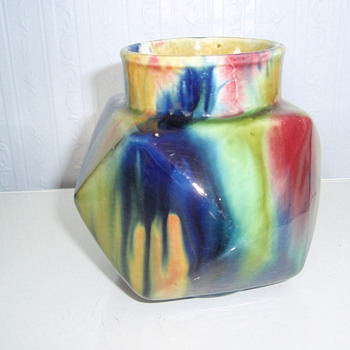 4 &quot;  ART POTTERY VASE WITH SUPERB MULTI COLOURED GLAZE. - Art Pottery