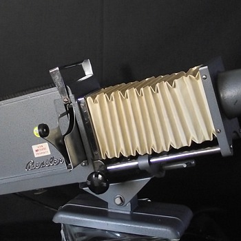 BESELER C-55 KING SLIDE PROJECTOR - Military and Wartime