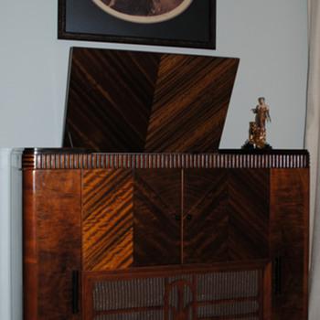 1935 McMurdo Silver Masterpiece IV / Mayfair cabinet - Radios