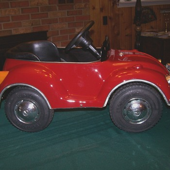 Early 70,s VW beetle pedal car