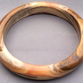 Stone bangle - Costume Jewelry