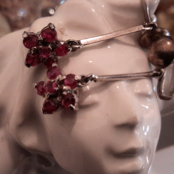 5 point cluster Ruby drop earrings in silver