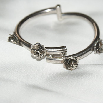 Mexican Hinged Bangle Bracelet with Roses - Fine Jewelry