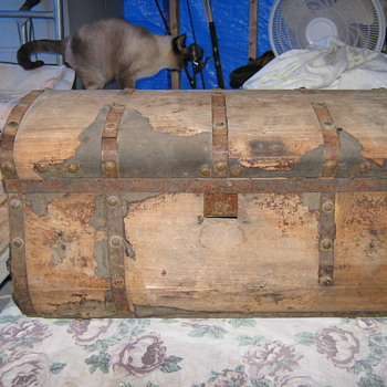 Jennie Lind Trunk AKA Jenny Lind Trunk - Furniture